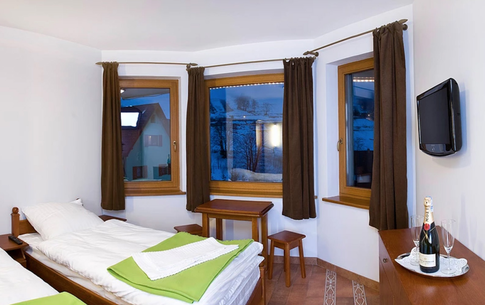 snow-house-noclegi-zieleniec-03