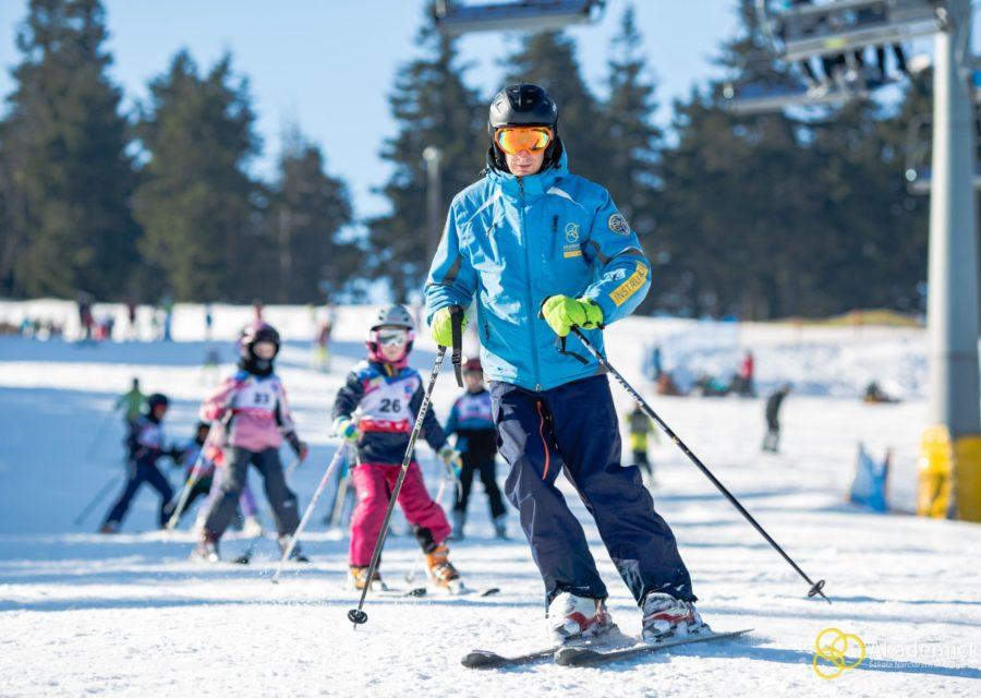 akademicka-szkola-narciarstwa-snowboardu-zieleniec-2