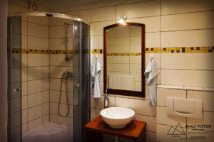 (Polski) biały potok łazienka