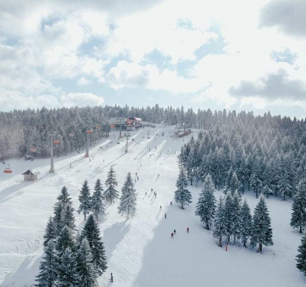 [:pl]Czy obostrzenia wpłyną na nowy sezon narciarski? [:]